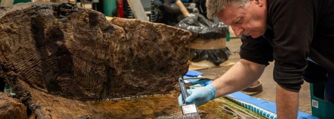 Il découvre un cercueil vieux de 4000 ans... sous son terrain de golf