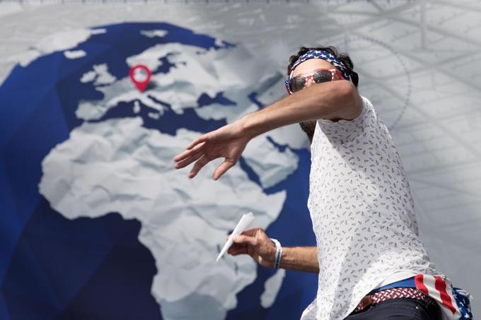 Quelque 180 jeunes du monde entier participent jusqu'à ce samedi à Salzbourg au concours qui sacrera trois champions du monde du lancer d'avions en papier.