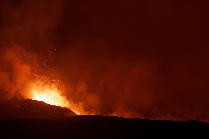 Cette éruption ne semble pas constituer de menace pour les zones habitées à proximité.