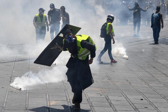 Gilets jaunes, acte 30 : peu de manifestants mais encore des violences