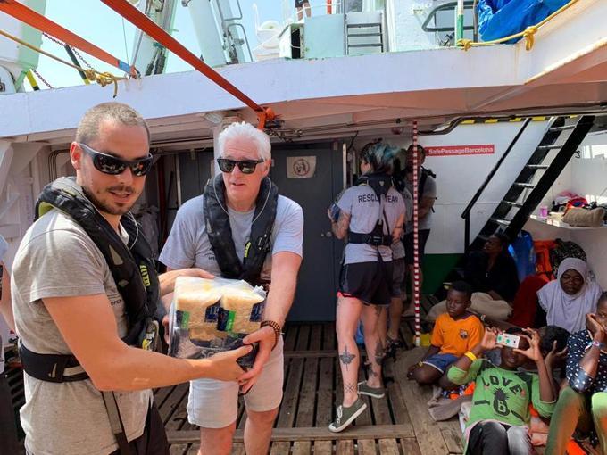 Encore un sauvetage pour l'Ocean Viking, 356 migrants à bord — Méditerranée