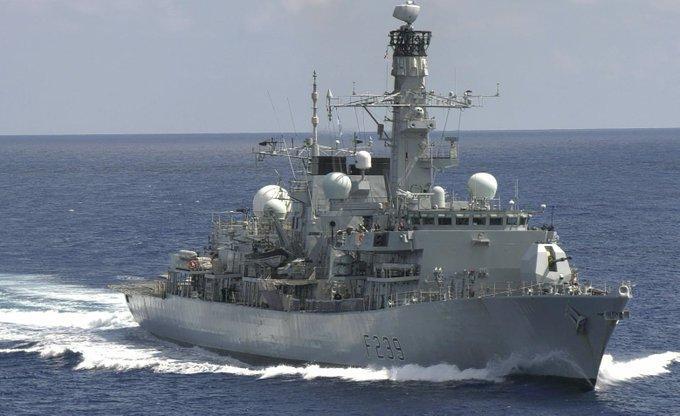 Un navire de guerre britannique traverse le détroit de Taïwan