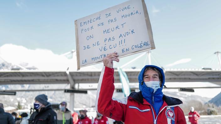 Ski : la fermeture des remontées mécaniques contestée devant le Conseil d'État