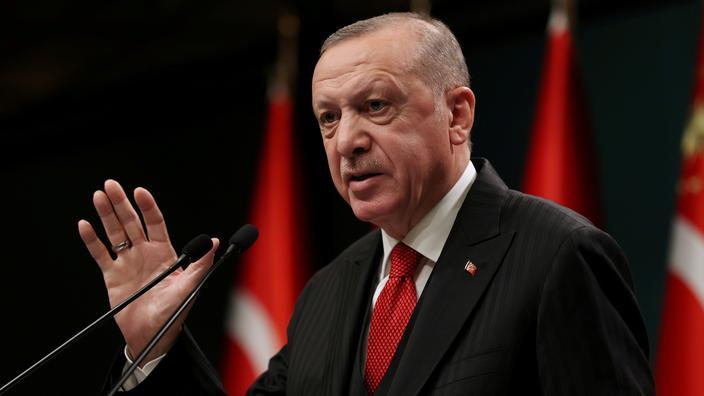 Face aux sanctions américaines, Erdogan appelle au dialogue
