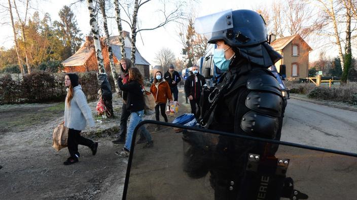 Rave party en Bretagne: cinq nouvelles personnes en garde à vue