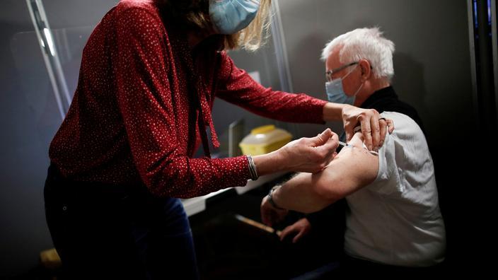 Covid-19 : Jean Castex annonce un million de vaccinés en France