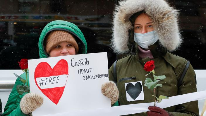 «L'amour plus fort que la peur» : des femmes russes manifestent contre la répression - Le Figaro