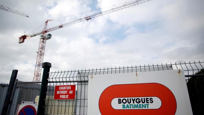Le bénéfice net de Bouygues chute de plus de 40% en 2020 - Le Figaro