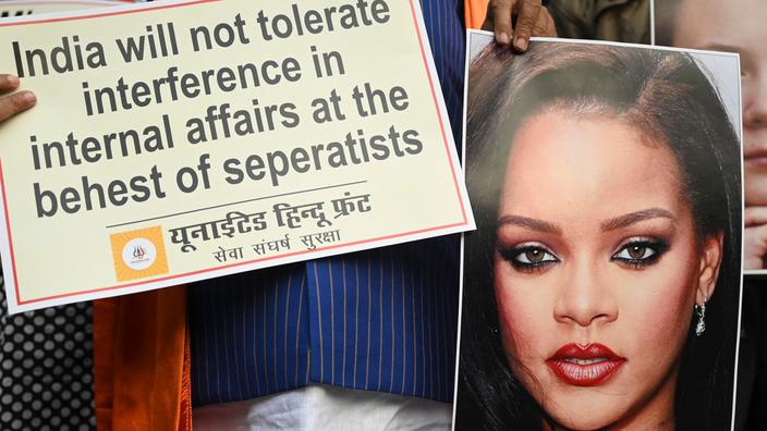 En Inde, la photo de Rihanna, seins nus et Ganesh autour du cou, ne passe pas - Le Figaro