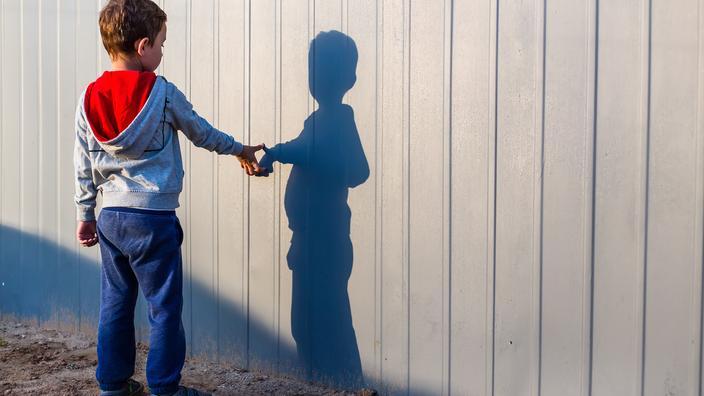 Un médecin qui prétendait guérir l'autisme radié de l'Ordre, il fait appel - Le Figaro