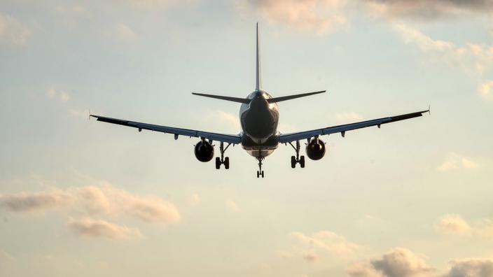 L'Europe lance une enquête sur les pratiques d'annulation des compagnies aériennes - Le Figaro