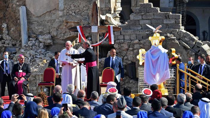 La prière poignante du pape à Mossoul : « il ne nous est pas permis de faire la guerre au nom de Dieu » - Le Figaro