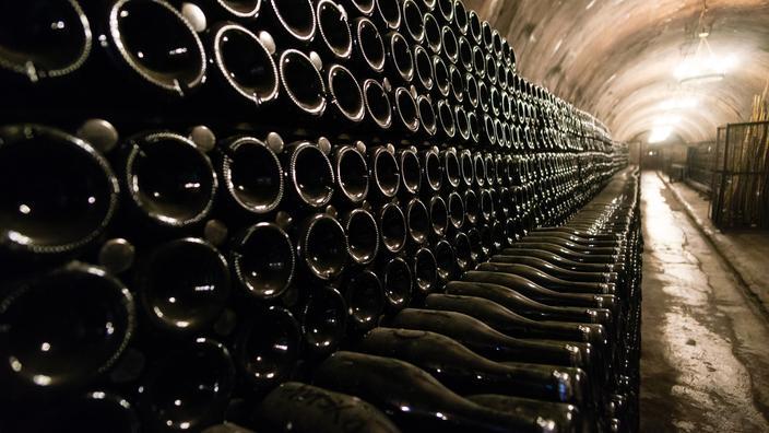 Le village suisse de Champagne n'a pas le droit de qualifier son vin de... champagne