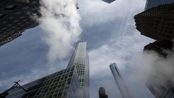 La banque américaine Goldman Sachs affirme avoir lancé des paris boursiers liés au bitcoin, selon un mémo interne consulté par l'AFP, un pas de plus...