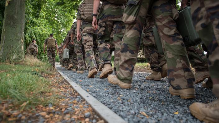 Une nouvelle tribune de militaires en gestation, confirme Valeurs Actuelles
