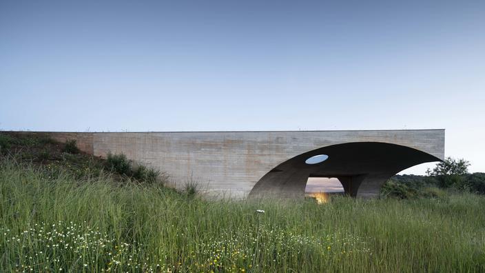 Au Portugal, un ovni hôtelier souterrain dans l'Alentejo