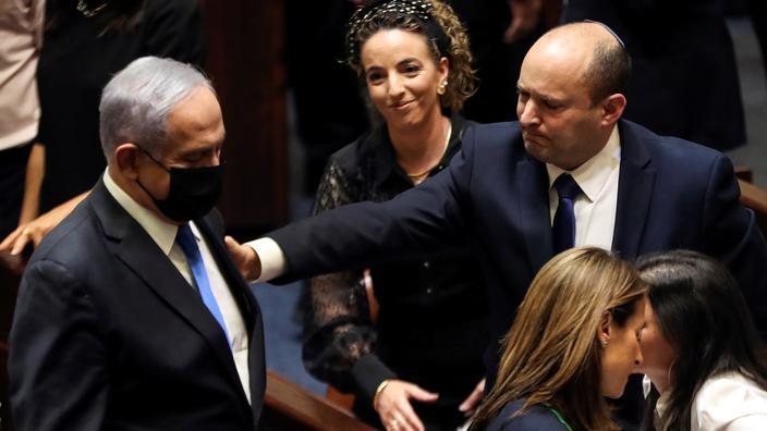 Israël: Naftali Bennett devient premier ministre, Netanyahou écarté du pouvoir