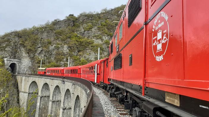 En Isère, le train touristique de la «plus belle ligne des Alpes» redémarre