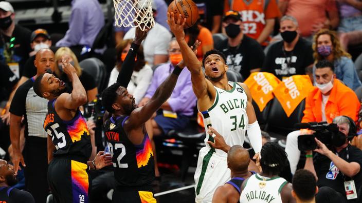 Finales NBA : renversants à Phoenix, les Bucks à une victoire du titre