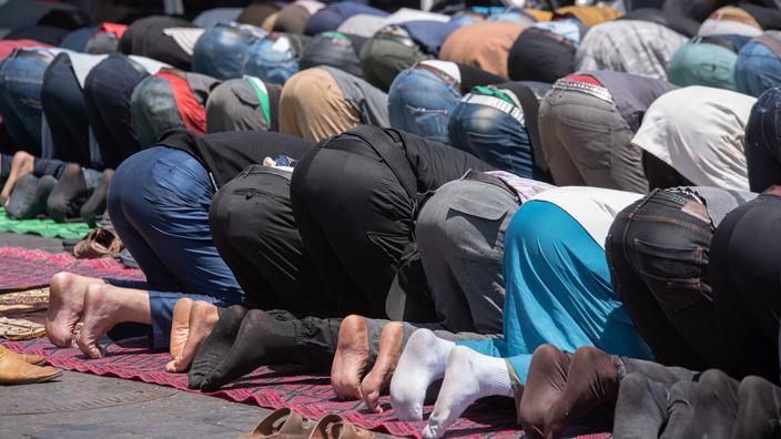 Gérald Darmanin fait destituer deux imams aux prêches «inacceptables»