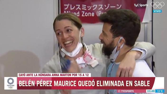 JO : une escrimeuse argentine reçoit une demande en mariage de son entraîneur en plein direct