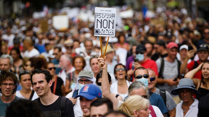 «Le mouvement anti-passe sanitaire peut-il devenir une contestation plus globale de la politique gouvernementale?»