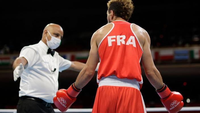 «C'est quoi cette décision ? C'est quoi cet arbitrage!» : Asloum en colère après l'élimination d'un boxeur français