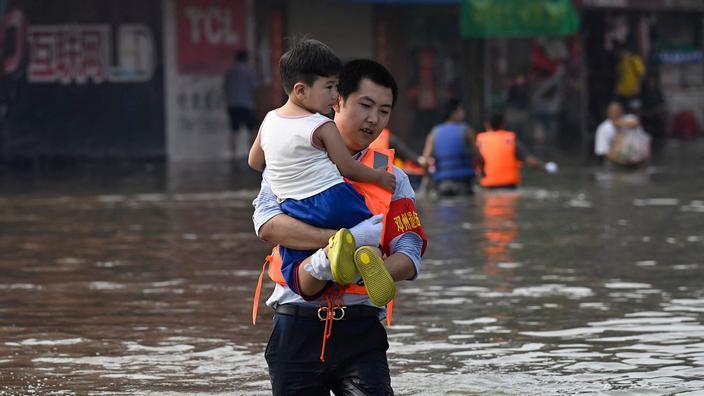 En Chine centrale, le bilan des inondations triple à plus de 300 morts