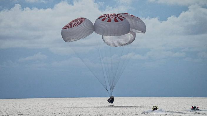 SpaceX : les quatre premiers touristes spatiaux de retour sur Terre après trois jours en orbite