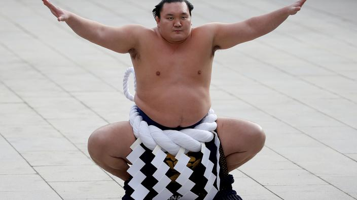 Japon: Hakuho, le plus grand champion de l'histoire du sumo, va prendre sa retraite