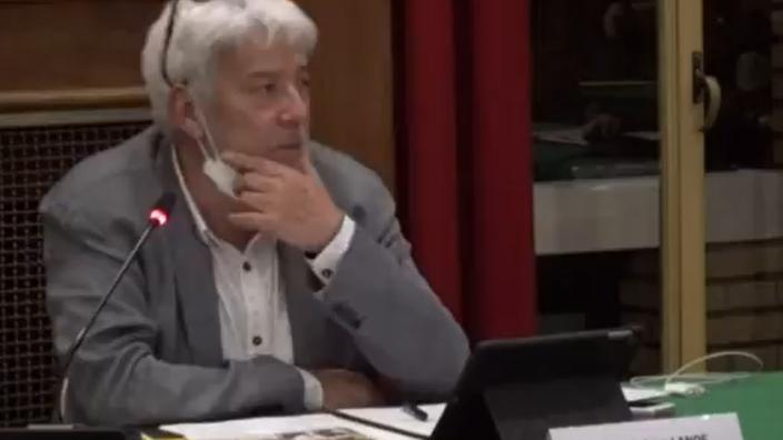 Un élu de la France insoumise suscite la polémique après ses propos sur la police