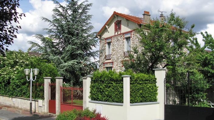 Condamnation de la «maison individuelle»: «Le gouvernement veut régenter la vie des Français»