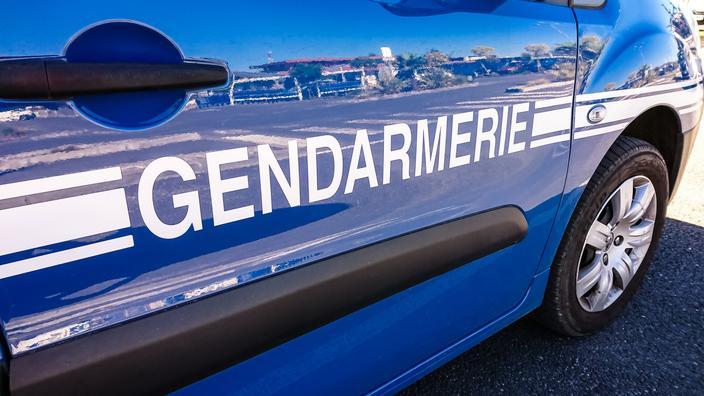 Isère : une adolescente battue par sa famille pour avoir flirté avec un garçon