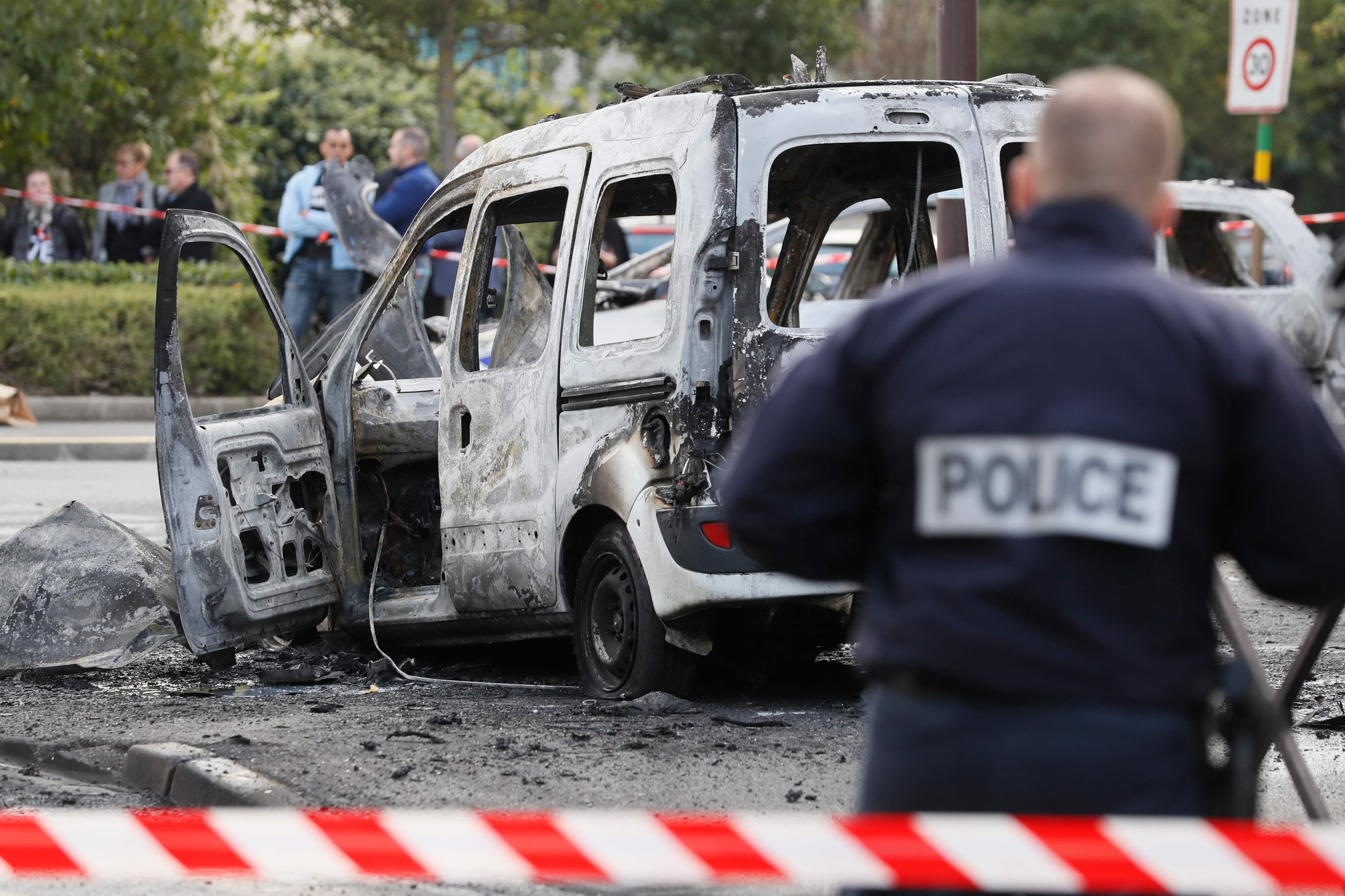 Attaque des policiers à Viry-Châtillon: 13 jeunes jugés à partir de ce mardi
