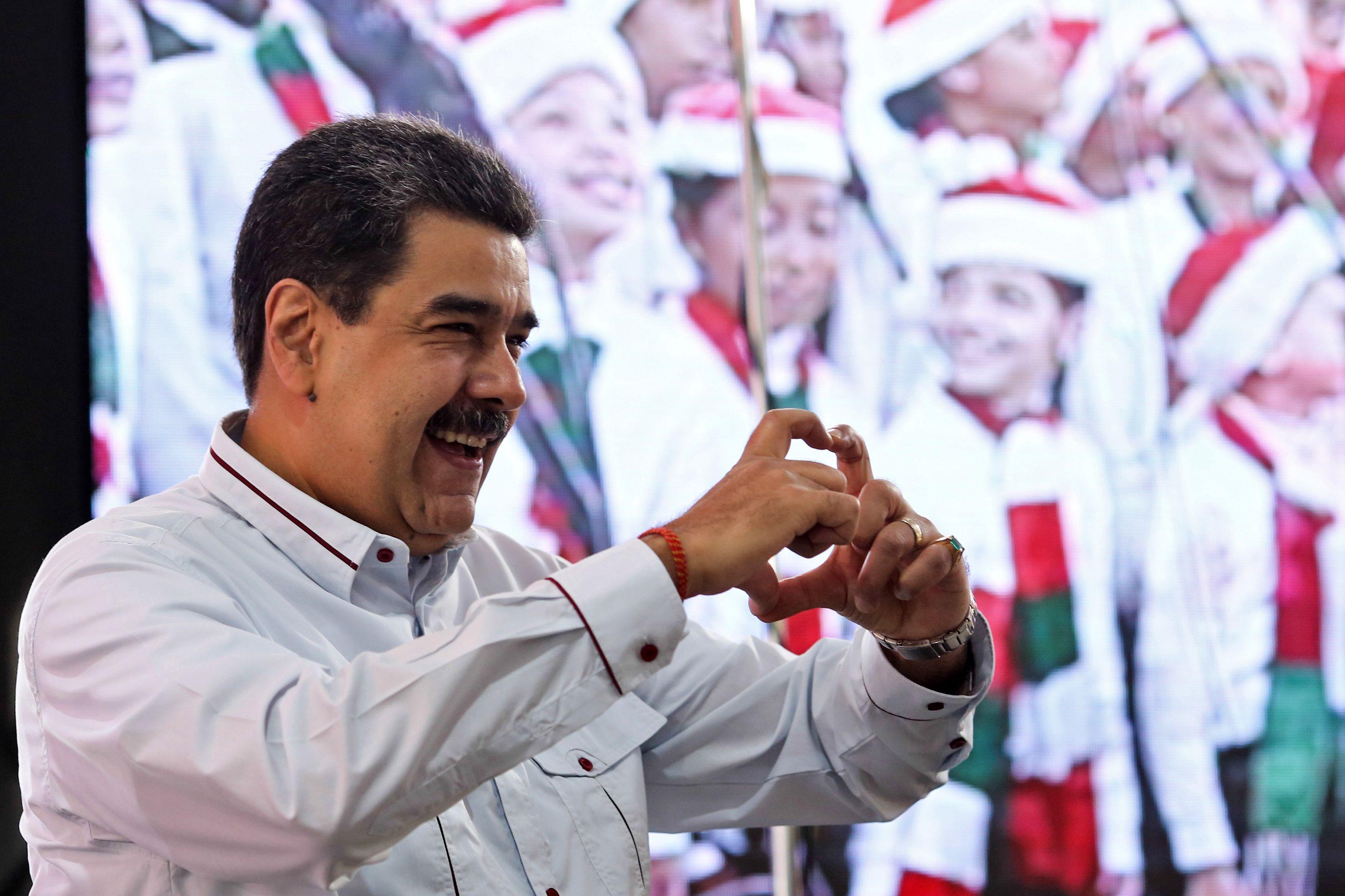Quinze pays ferment leurs frontières au Vénézuélien Maduro