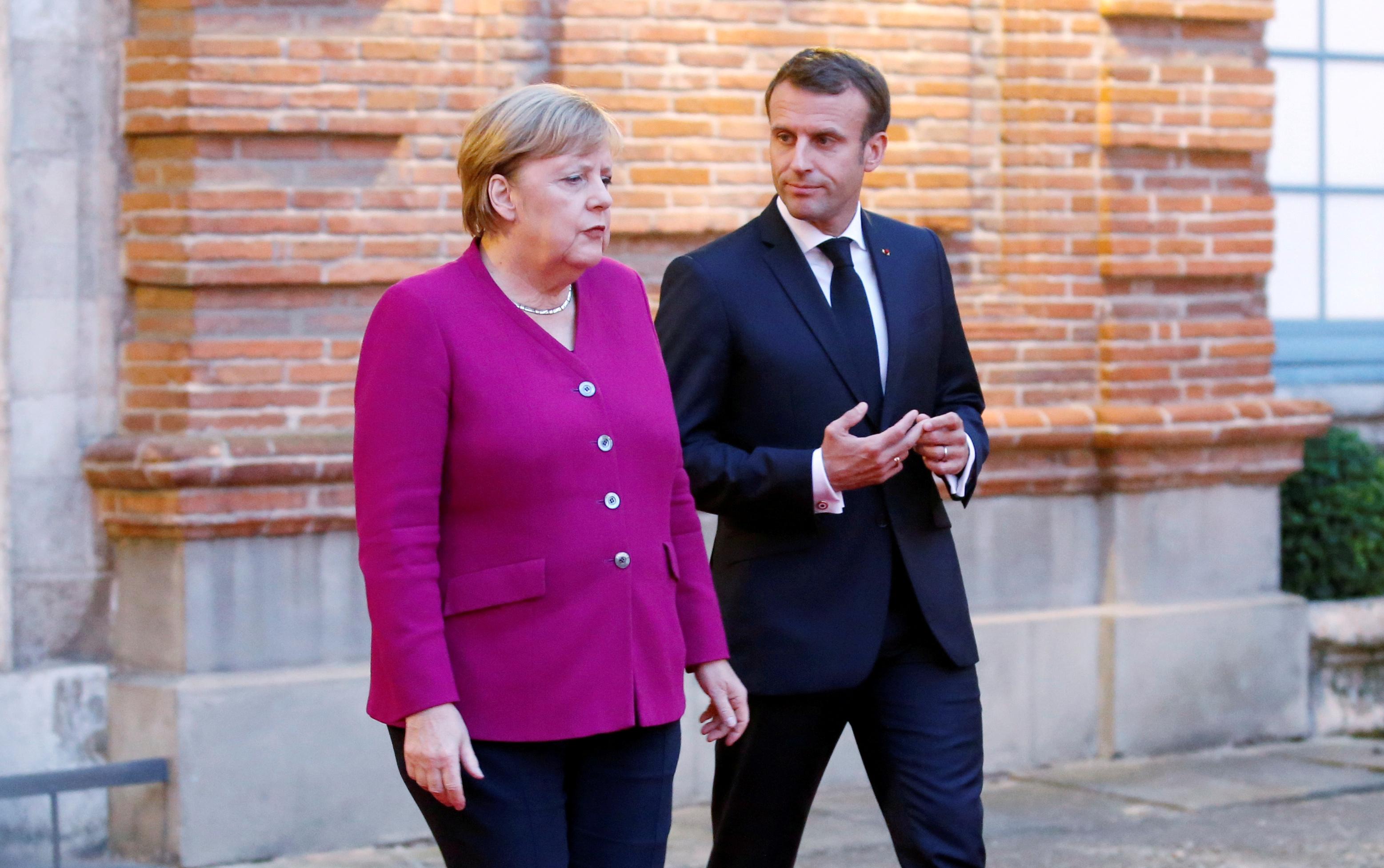 Expulsion de diplomates russes d'Allemagne: Paris «solidaire» de Berlin