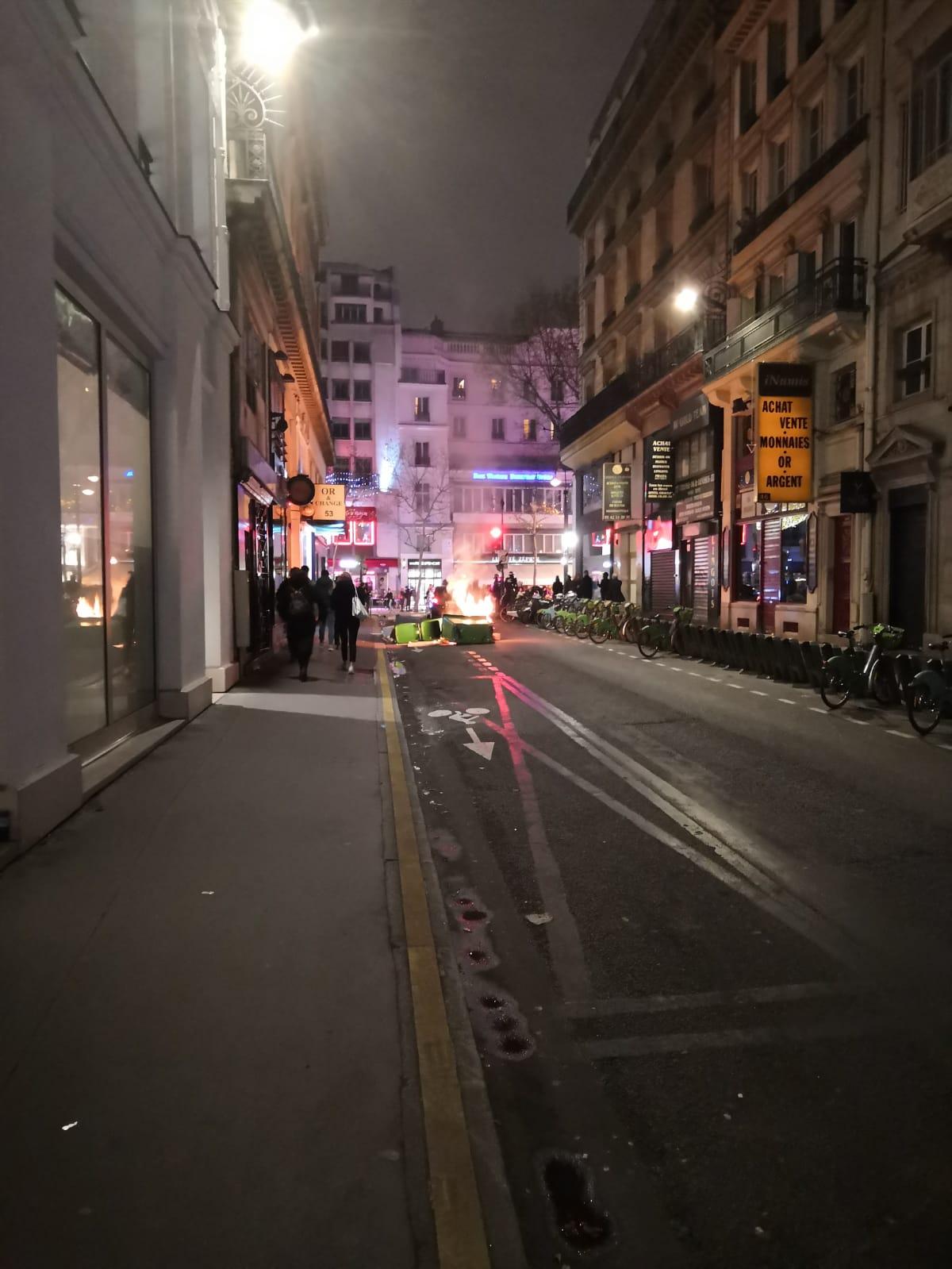 Un samedi soir tendu à Paris