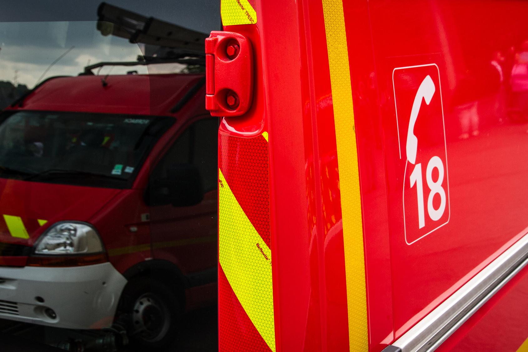 Mulhouse : deux pompiers plongent pour secourir les passagers d'une voiture tombée dans le canal