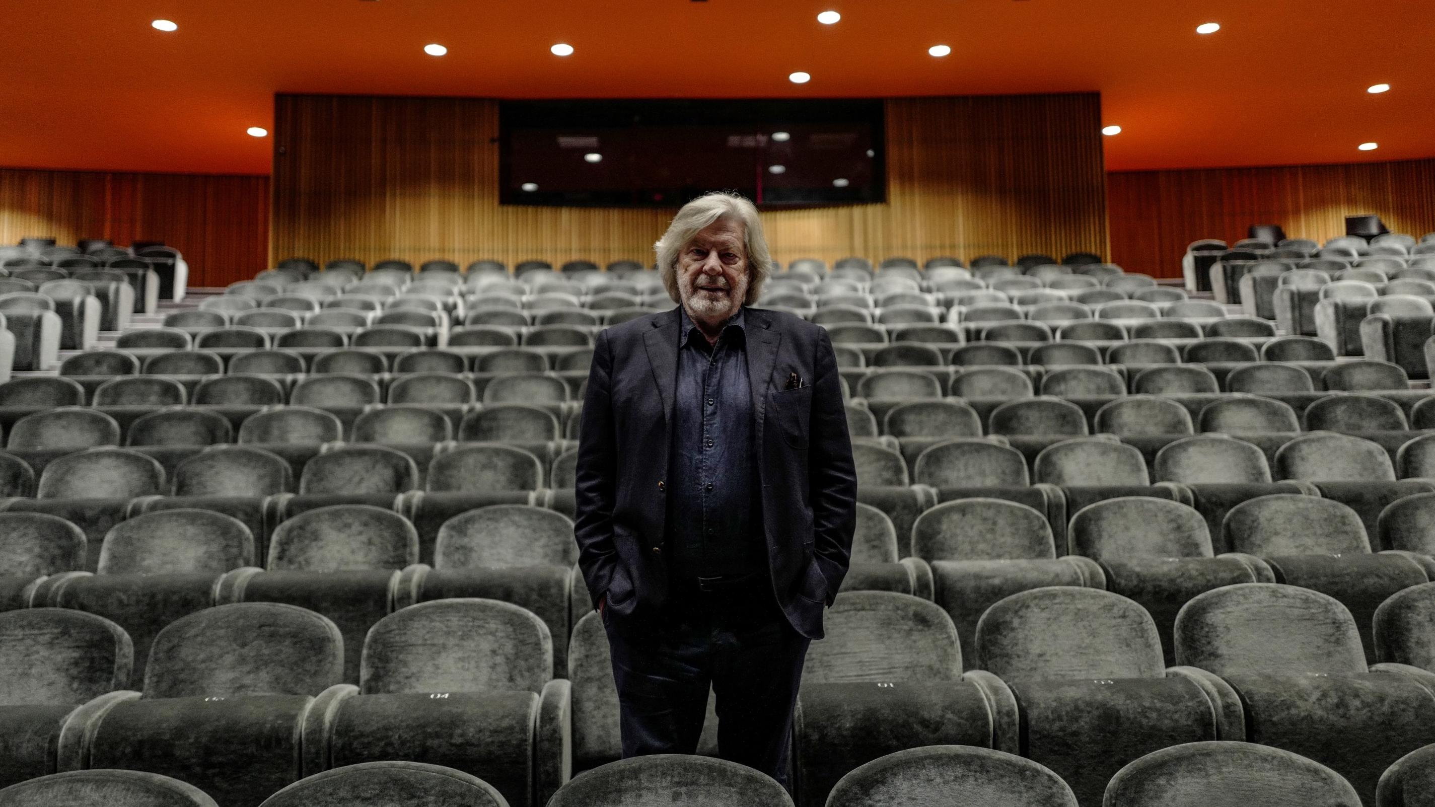 Daniel Benoin, directeur du théâtre d'Antibes, furieux face au report potentiel du déconfinement