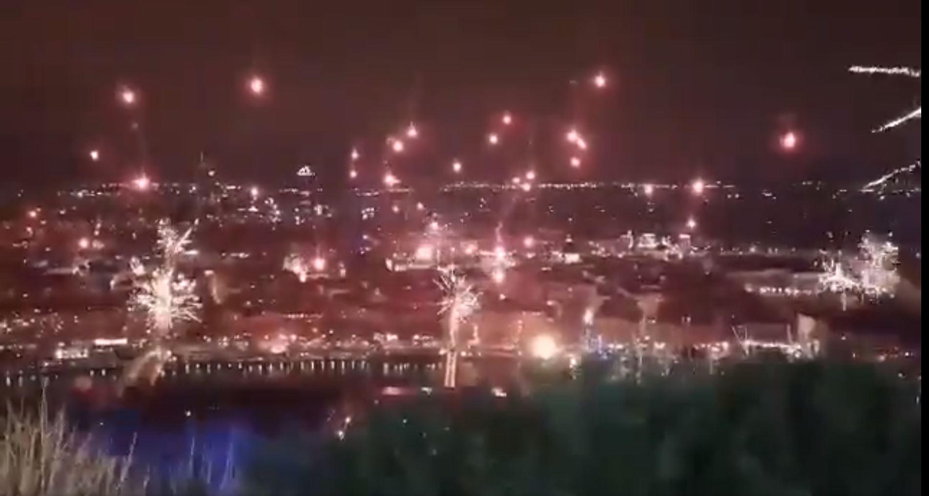 Lyon : un spectaculaire feu d'artifice exaspère la mairie et les autorités