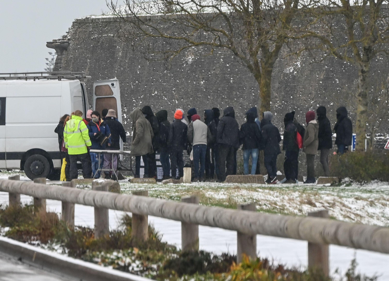 Grand froid: les migrants de Calais et Grande-Synthe en situation «d'extrême urgence», alertent des associations