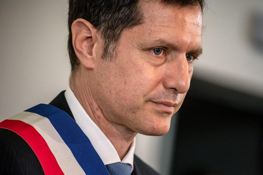«On va te faire comme Pôle Emploi» : le maire de Valence menacé de mort