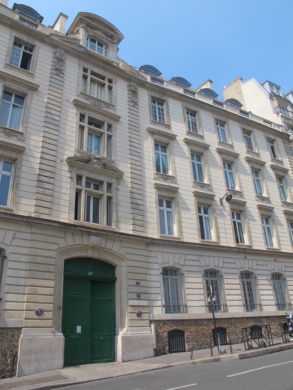 Paris : le directeur de Saint-Jean de Passy mis en examen pour «agression sexuelle sur mineur»
