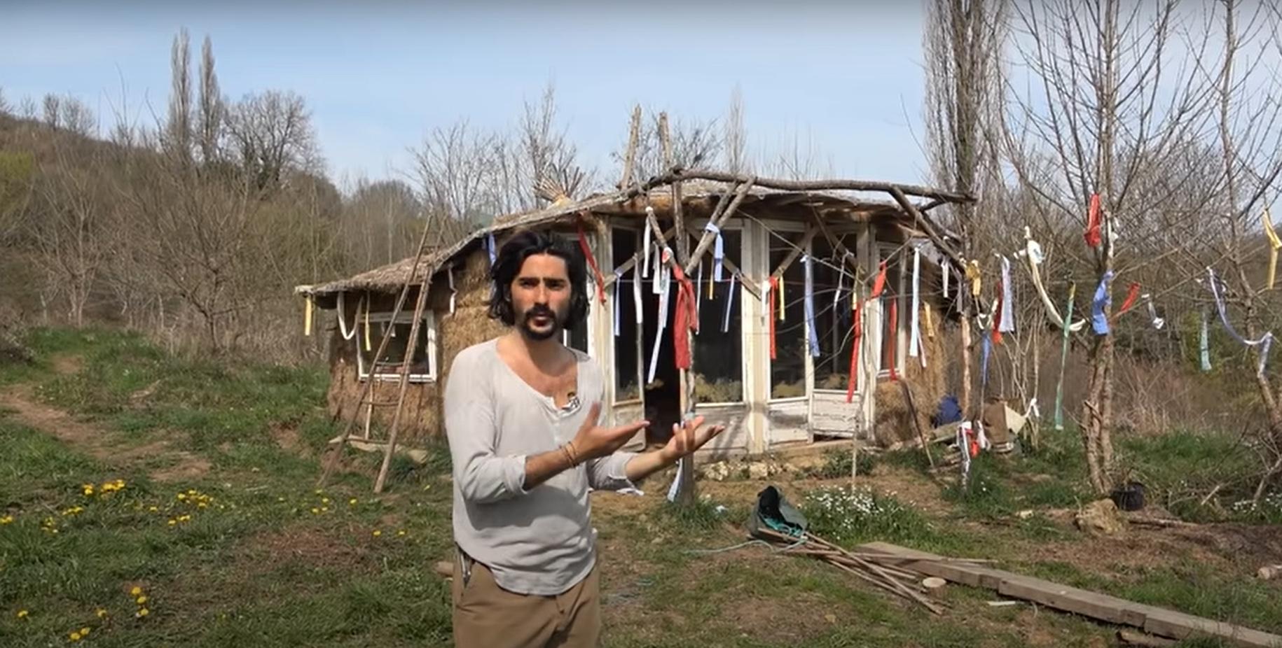En Corrèze, ces écolos qui vivent dans des cabanes... et exaspèrent leurs voisins