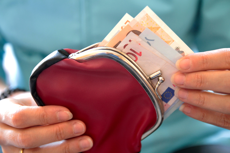 L'épargne due au Covid estimée à 165 milliards d'euros en 2020-2021, selon Villeroy de Galhau