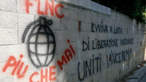 Corse : le FLNC menace d'un retour à la lutte armée