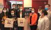 Ile-de-France: Valérie Pécresse offre des ordinateurs, des masques, et des serviettes menstruelles aux lycéennes