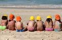 Exposition au soleil : les parents plus vigilants pour leurs enfants que pour eux-mêmes