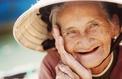 Les femmes vivent plus longtemps et la science ne sait pas vraiment pourquoi