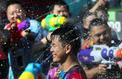 Thaïlande: des batailles d'eau géantes pour célébrer le nouvel an bouddhique